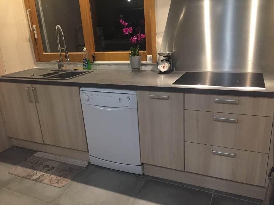 cuisine incorpor e pose fabrication menuiserie cornillon loire 42. Black Bedroom Furniture Sets. Home Design Ideas